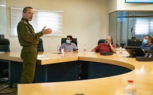"""מחשש לפיגוע תגובה של חיזבאללה: צה""""ל מעלה את רמת הכוננות וסוגר מספר צירים בגבול הצפון"""