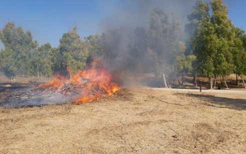 שיא בטרור הבלונים: מהבוקר כ-60 שריפות בעוטף עזה