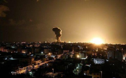 """בתגובה לבלוני הנפץ: צה""""ל תקף יעדי טרור של חמאס ברצועת עזה"""