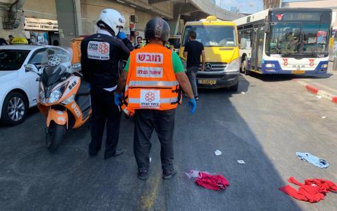 הולך רגל בן 65 נפצע בינוני מפגיעת מונית בתל אביב