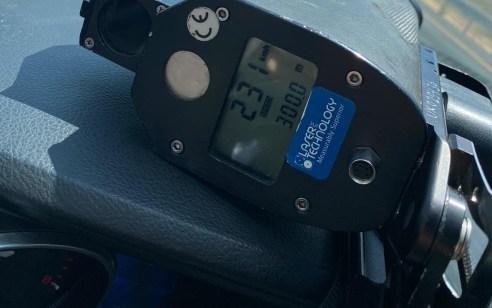 """רוכב אופנוע נתפס נוהג במהירות 231 קמ""""ש על כביש 44"""
