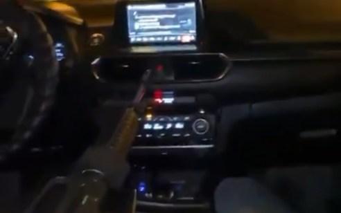 """המשטרה פתחה בבדיקת סרטון בו נראה חייל צה""""ל נוסע באילת ודורך נשק"""