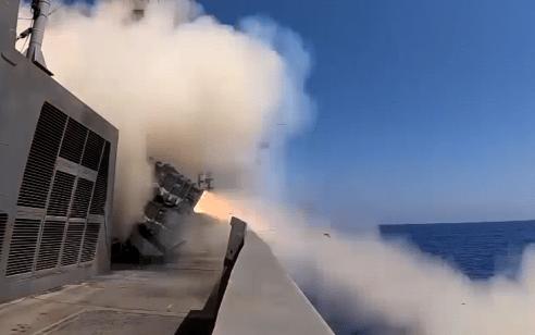"""""""יכולת תקיפה משופרת והתמודדות טובה יותר נגד איומים"""": ניסוי מוצלח במערכת טילי ים-ים   תיעוד"""