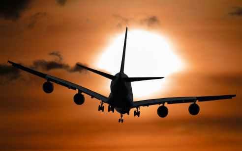 """השרים אישרו: נתב""""ג יישאר פתוח בתקופת הסגר לטיסות שאושרו מראש"""