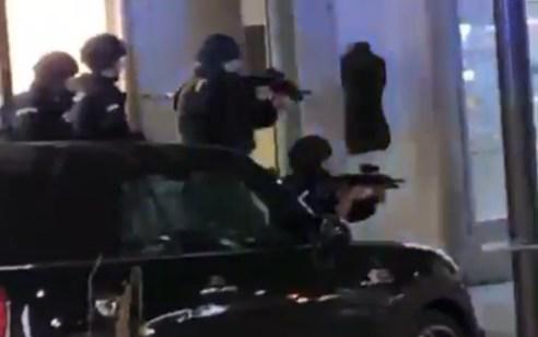 אוסטריה: פיגוע ליד מרכז הקהילה היהודית בווינה – מחבל ואזרח נהרגו, לפחות 7 נפצעו קשה