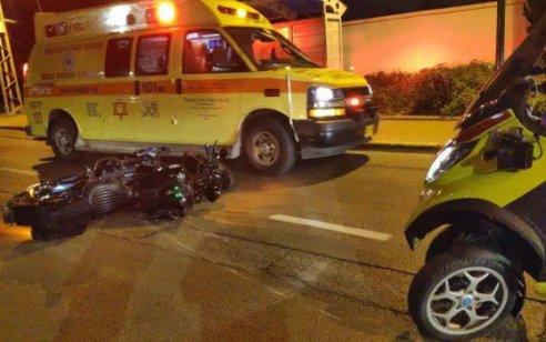 פצוע קשה ושניים קל בתאונה בין אופנוע לרכב סמוך לצומתהשרון
