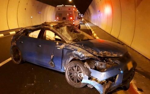 פצוע בינוני ושלושה קל בתאונה בין מספר רכבים במנהרות הכרמל