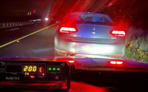 """תושב תל אביב נתפס נוהג במהירות מופרזת של 200 קמ""""ש"""
