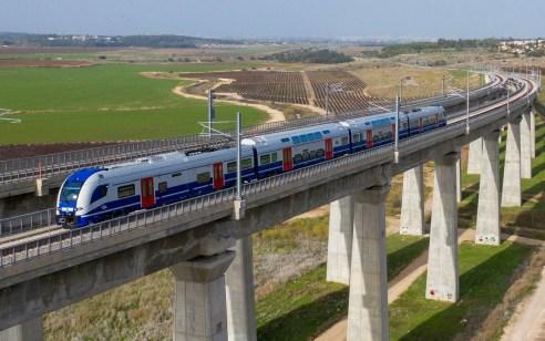 צפו ברכבות החשמליות החדשות בנסיעה ראשונה בישראל