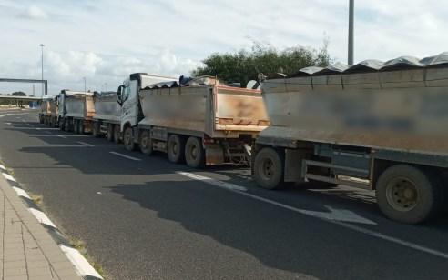 שתי משאיות הושבתו לתקופה של 30 ו-60 ימים בעקבות חריגות משקל