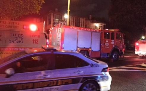 גבר כבן 70 נפגע קשה בשריפה בדירה בתל אביב