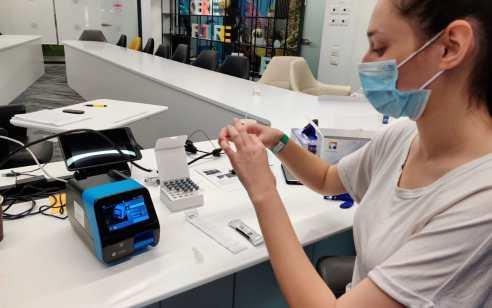 לראשונה בעולם: 100 בדיקות קורונה מהירות בשעה אחת