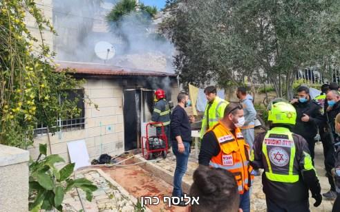 בן 85 במצב קשה כתוצאה משריפה בדירתו בירושלים | תיעוד