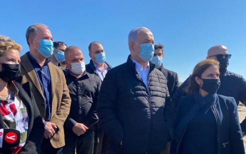 """הממשלה אישרה: 45 מיליון ש""""ח יוקצו לטיפול בזיהום הזפת בחופים"""