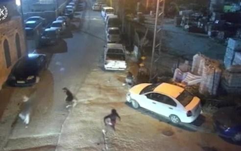 """קטין כבן 15 נעצר בתום מרדף לאחר שיידה אבנים לעבר שוטרי מג""""ב במזרח ירושלים"""