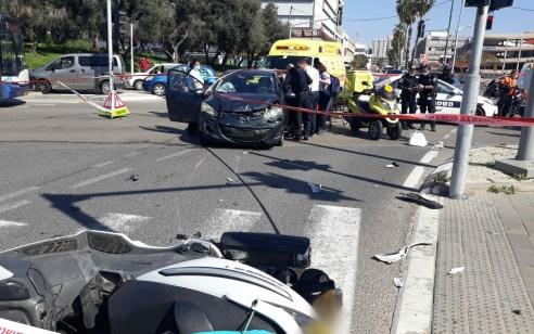 רוכב אופנוע כבן 23 נפצע בתאונה בתל אביב – מצבו בינוני