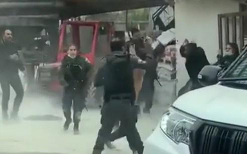 שלושה ערבים נעצרו בחשד ליידוי אבנים ותקיפת שוטרים בסילוואן שבמזרח ירושלים
