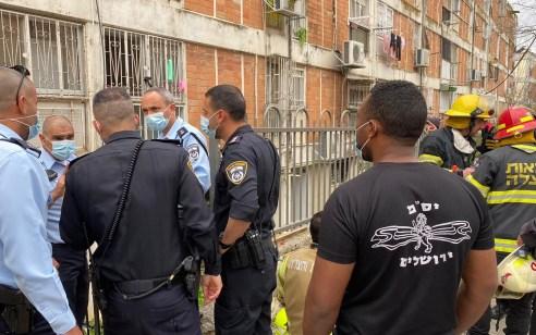 חמישה פצועים במצב בינוני וקל בשריפה בדירה בירושלים