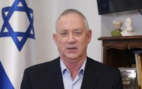 עימות בממשלה: גנץ עצר את המשאל למינוי השרים, ודרש להוסיף את מינויו הקבוע לשר משפטים