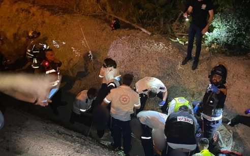רוכב אופנוע כבן 45 נפצע בתאונה עצמית סמוך לצומת בית דגן – מצבו קשה