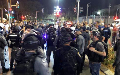 לאחר תקיפת הרב ביפו: עימותים בין תושבים לשוטרים – 3 מתפרעים נעצרו, 2 שוטרים נפצעו