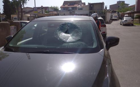 בן 45 נפצע קל מיידוי אבנים לעבר רכבו באור יהודה