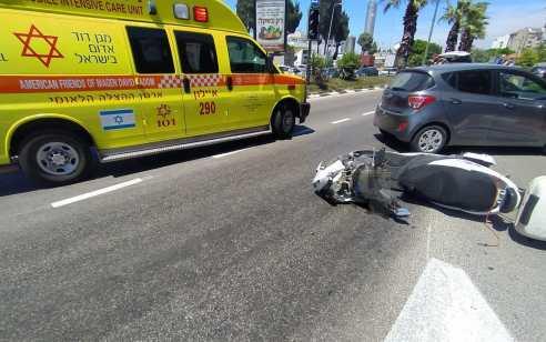 רוכב קורקינט נפצע קשה ורוכב אופנוע נפצע קל בתאונה ברחובות