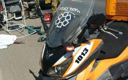 בן 60 שנסע בקלנועית נפצע בינוני בתאונה בצומת הקרח
