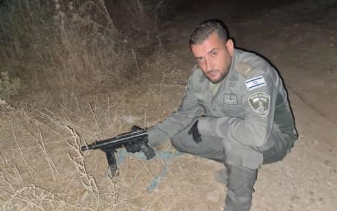 """שוטרי מג""""ב תפסו נשק מסוג קרלו בצפון הארץ ועצרו 3 ערבים שניסו להימלט"""