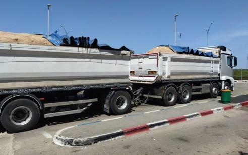שוטרי אגף התנועה תפסו משאית וגורר עם חריגות משקל של מעל 50 אחוז