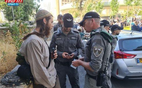 עשרות עצורים ומעוכבים בירושלים: רובם עוברי אורח עם חזות דתית וחרדית שנעצרו ללא סיבה