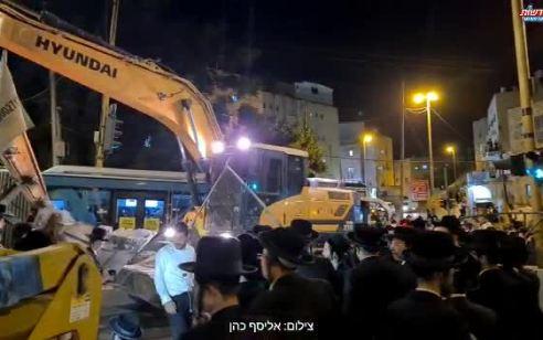 הפגנה נגד הרכבת הקלה: עשרות הפריעו לעבודות ברחוב בר אילן בירושלים – 6 חשודים נעצרו