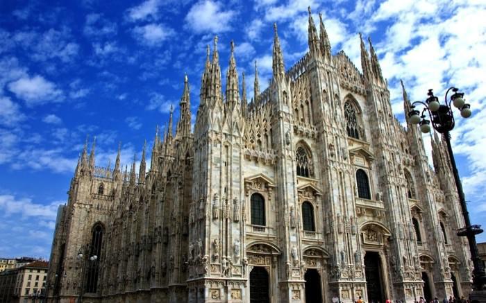 Καταπληκτικοί Χώροι Λατρείας Ναοί Milan Cathedral in Italy