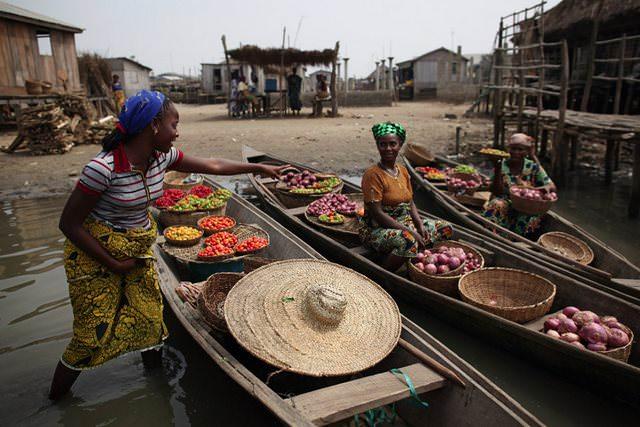 Υπέροχα χωριά που επιπλέουν στο νερό Ganvie Benin allabout.gr