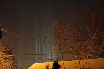 Στήλες Φωτός: Ένα απίθανο φυσικό φαινόμενο light lines allabout.gr