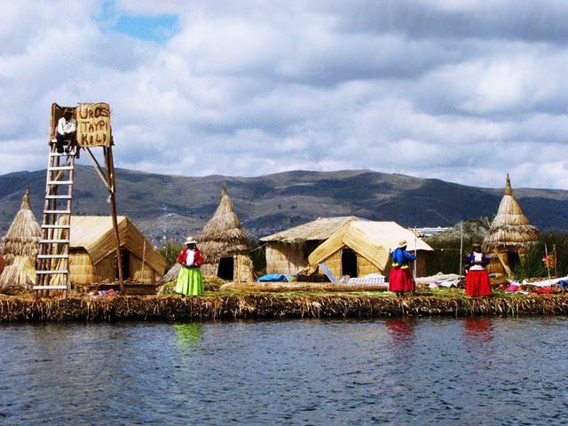 Υπέροχα χωριά που επιπλέουν στο νερό perou allabout.gr