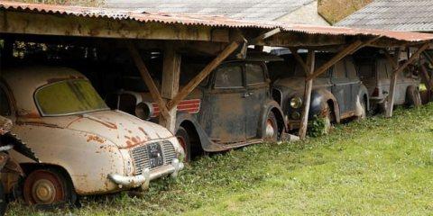 Ιστορικά αυτοκίνητα βρέθηκαν μετά από 50 χρόνια εγκατάλειψης allabout.gr