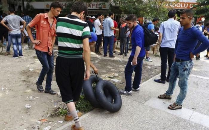 Τουριστικά μαγαζιά στην Τουρκία αντικατέστησαν τα σουβενίρ με… σωσίβια!