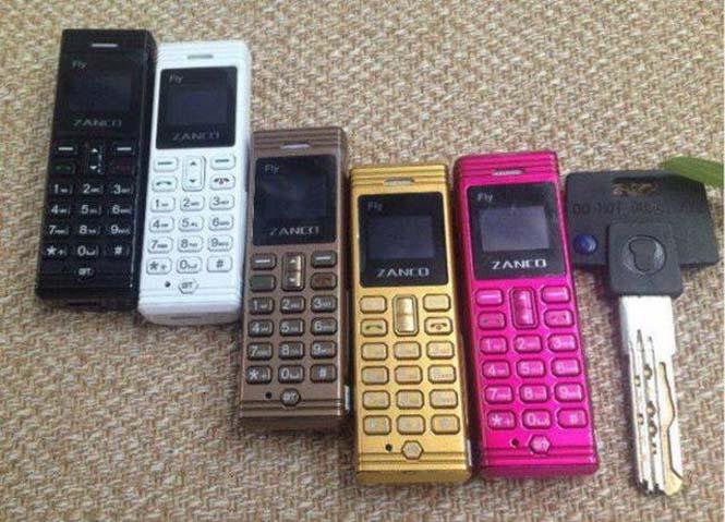 Ίσως το μικρότερο κινητό τηλέφωνο στον κόσμο