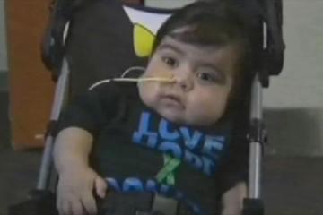 ΘΑΥΜΑ! Αγοράκι ενός έτους υποβλήθηκε με επιτυχία σε μεταμόσχευση 8 οργάνων