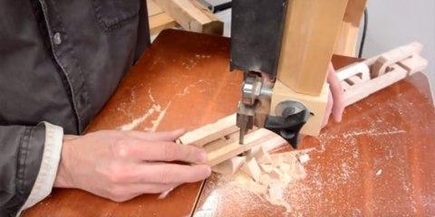 κομμάτι ξύλου σε αλυσίδα