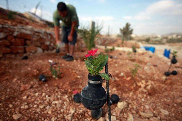 Παλαιστίνη μαζεύει τις Ισραηλινές χειροβομβίδες 7