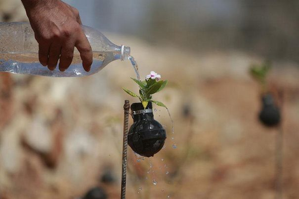 Παλαιστίνη μαζεύει τις Ισραηλινές χειροβομβίδες 8