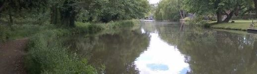 The Wey Navigation looking towards Thames Lock
