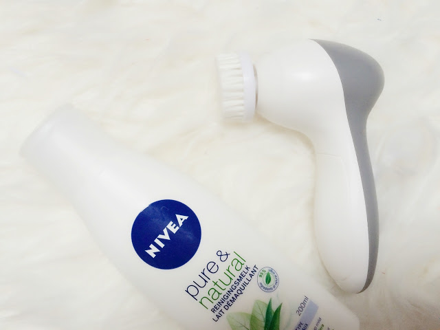 3c6cd img 7956 - Nivea Pure & Natural reinigingsmelk