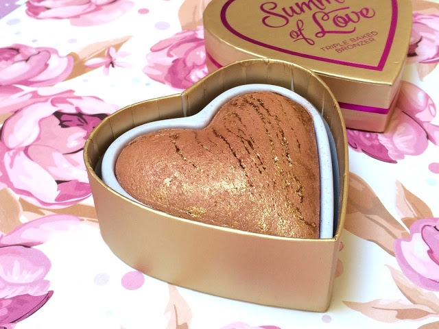 440b2 img 2625 - I HEART MAKEUP Blushing Hearts - Love Hot Summer Triple Baked Bronzer
