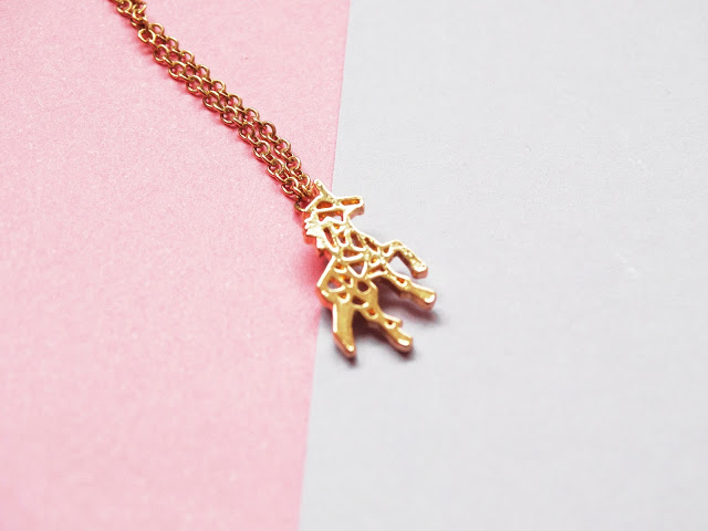 e1944 dsc071312b252812529 - Mijn favoriete ketting op dit moment: minimalistische unicorn ketting shizzie.nl