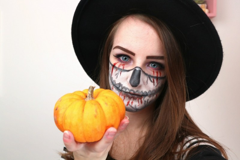 4 edited - HALLOWEEN MAKEUP LOOK 2018 │HALF SKULL