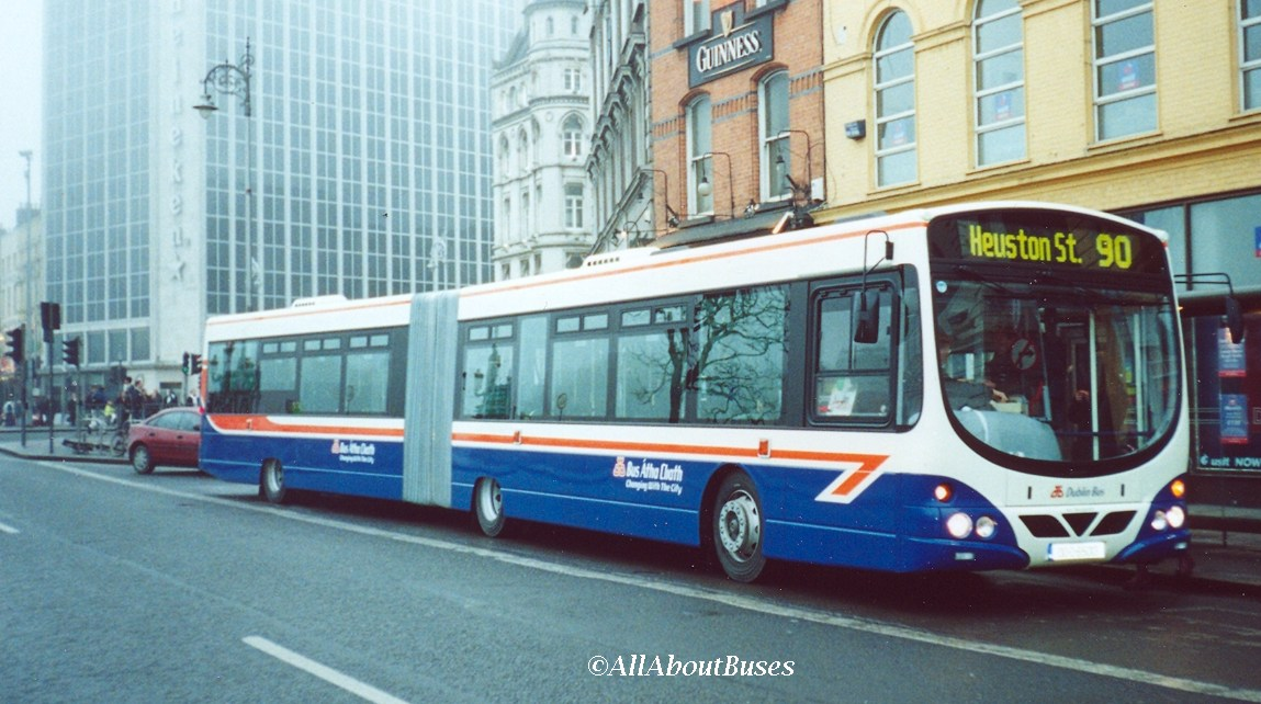 The launch of the AW-class artics in 2001 was on route 90/90A - an unidentified AW is seen at Aston Quay in the first week
