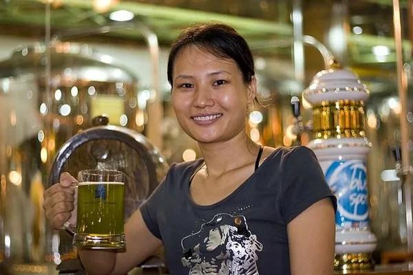 Пиво Man Han Lou в Камбодже